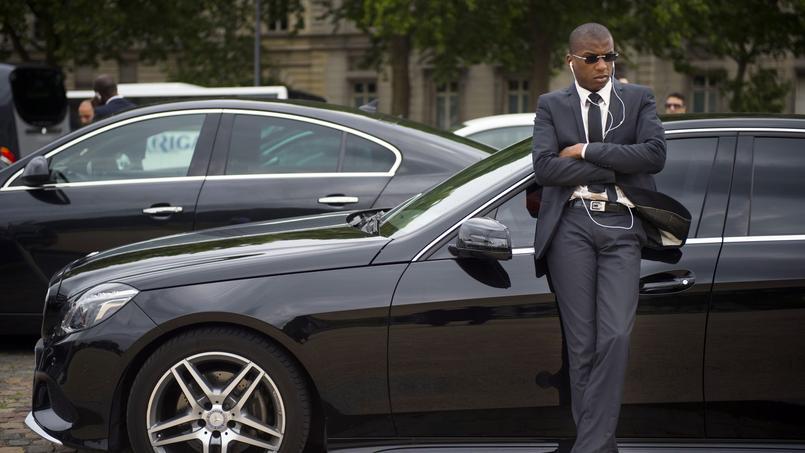 Un chauffeur VTC doit travailler 60heures par semaine pour s'assurer un revenu «décent», selon les premières conclusions du médiateur.
