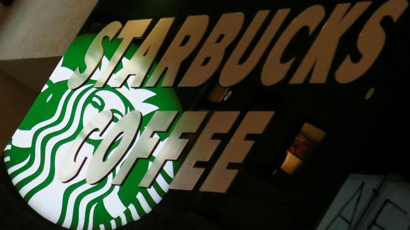 La chaîne de cafés Starbucks s'est engagée à recruter 10.000 réfugiés dans les cinq prochaines années.