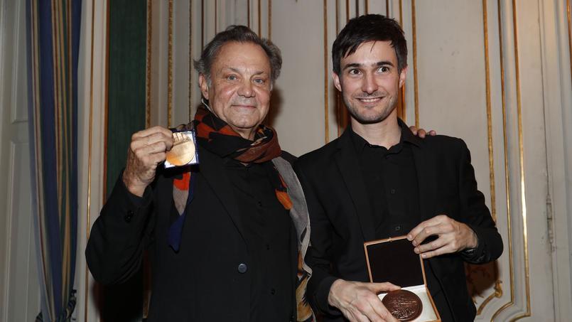 Philippe Caubère et Brice Hillairet lors de la remise des prix Plaisir du Théâtre-Marcel Nahmias et Jean-Jacques Gautier-Plaisir du Théâtre.