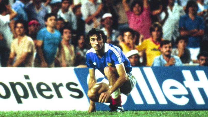 Maxime Bossis après sa tentative de tir au but ratée face à l'Allemagne en demi-finale de Coupe du monde 1982.