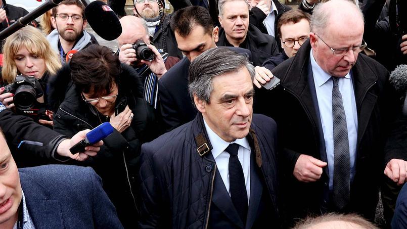 François Fillon a demandé mercredi aux élus de son camp de «tenir quinze jours».