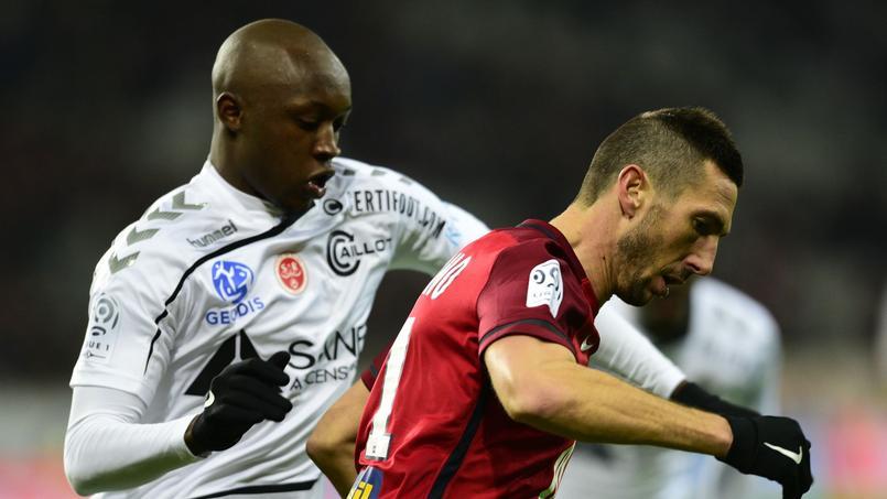 Le footballeur de Reims, mis en examen pour violences, va jouer en Israël