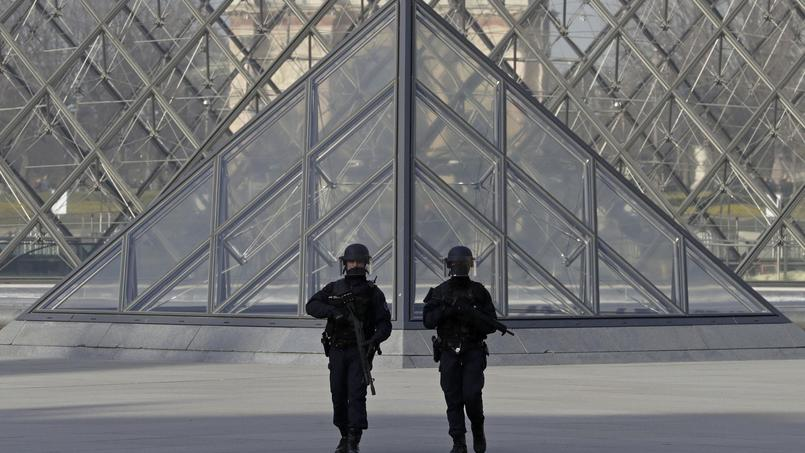 Agression au Louvre : Hollande