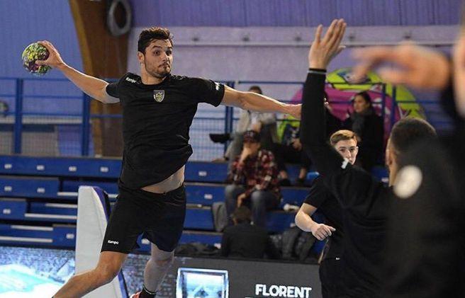 Florent Manaudou, le champion olympique de natation reconverti dans le handball.