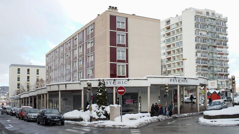 Comme beaucoup de boutiques du centre-ville de Firminy, PsyChic a mis la clé sous la porte.