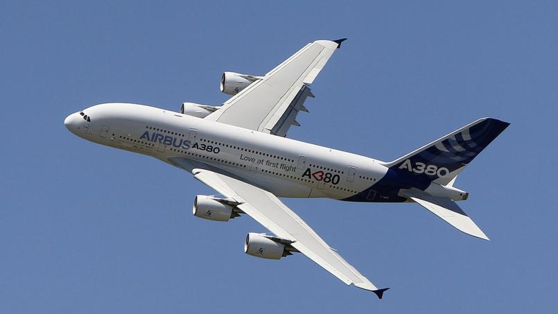 Plutôt que de réclamer aux pilotes d'Air France un contrat spécifique abaissant les «coûts pilotes» de 15%, la négociation a abouti à un contrat unique pour tous et les mêmes règles d'utilisation et de rémunération.