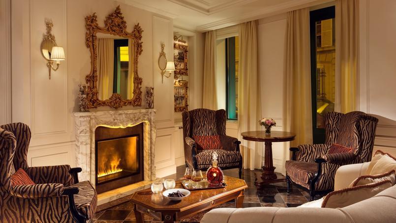 Atmosphère raffinée et paisible dans les suites de cet hôtel de luxe situé au cœur de la capitale.