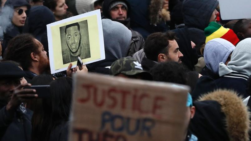 À Aubervilliers, François Hollande tente de calmer les esprits — Affaire Théo