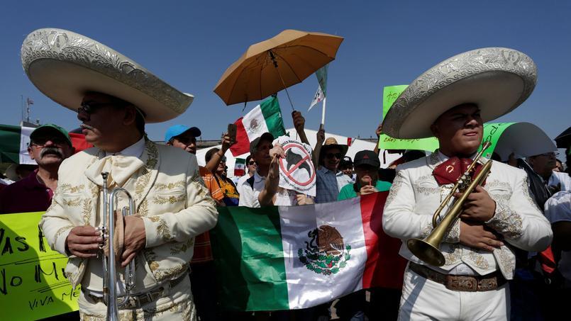 Les Mexicains descendent dans les rues pour protester contre Donald Trump