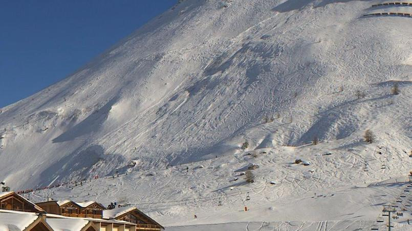 Une avalanche emporte neuf skieurs (DIRECT) — Alpes
