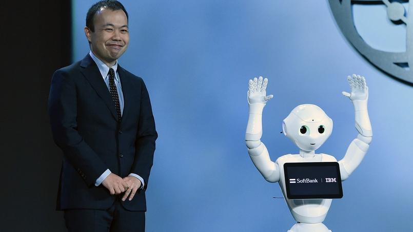 Le robot Pepper d'IBM arrangue l'assistance à Las Vegas en janvier 2016.