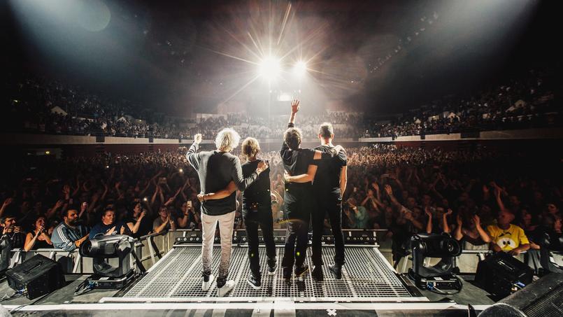 Après leur tour de France à guichets fermés (650 000 spectateurs en 54 concerts) et en attendant les Stades de France du 15 et 16 septembre 2017, les Insus ouvrent les coulisses de leur tournée dans un documentaire audio.