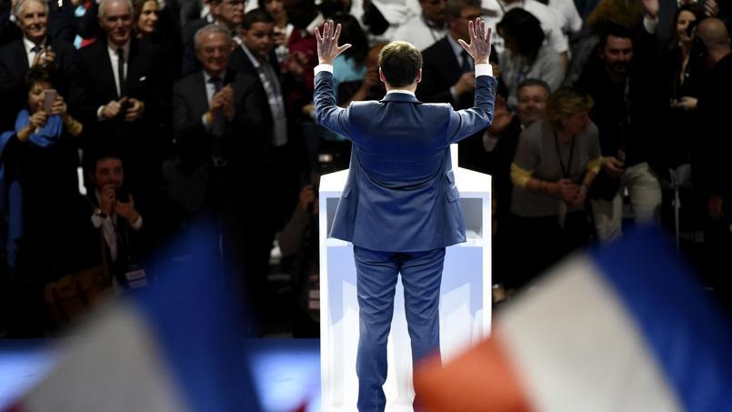 Emmanuel Macron veut agir sur la masse salariale des agents de l'État