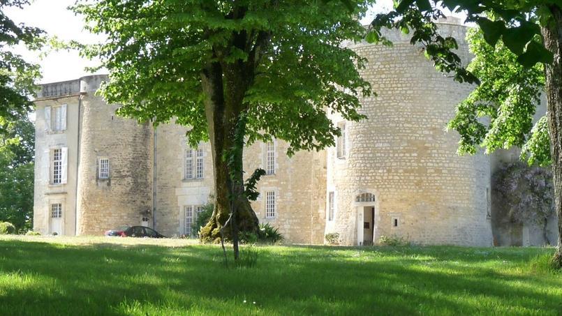 Le château d'Ardenne est situé sur la commune de Moulidars, près d'Angoulême.