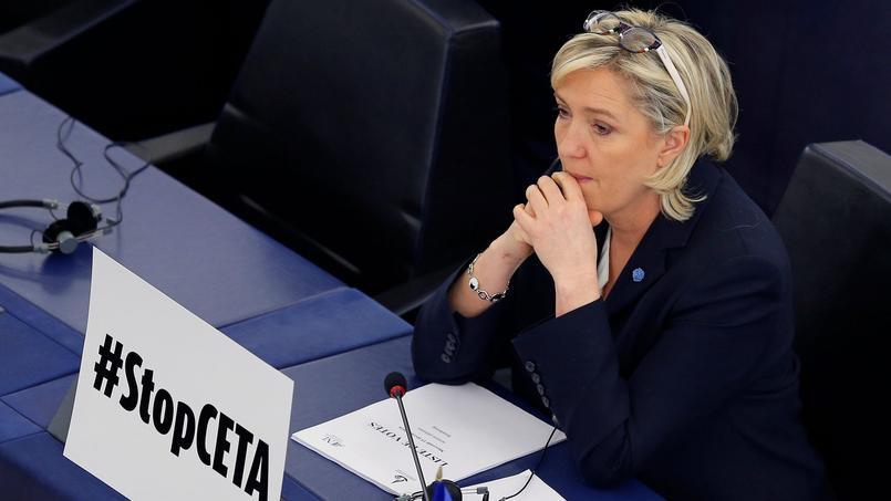 Marine Le Pen nie avoir reconnu un emploi fictif au Parlement européen