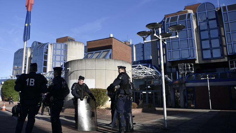 Le parquet de Bobigny a requis jeudi une amende de plusieurs milliers d'euros contre un restaurateur accusé d'avoir refusé de servir deux femmes voilées à Tremblay-en-France (Seine-Saint-Denis). Photo d'illustration du tribunal de Bobigny.
