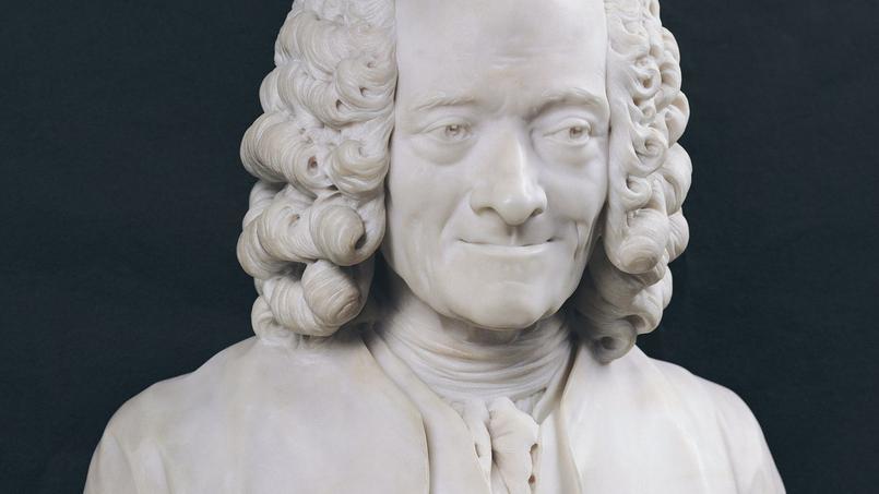 Buste de François-Marie Arouet de Voltaire (1694-1778) en marbre. - Houdon, Jean-Antoine (1741-1828) - Louvre, Paris, France