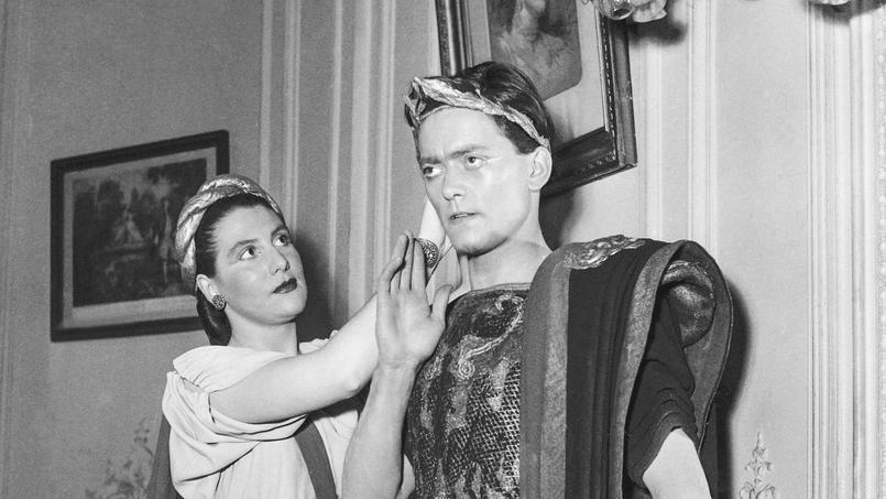 Françoise Seigner et Jean-Pierre Jorris au concours de tragédie au Conservatoire national d'art dramatique, Paris, 3 juillet 1950.