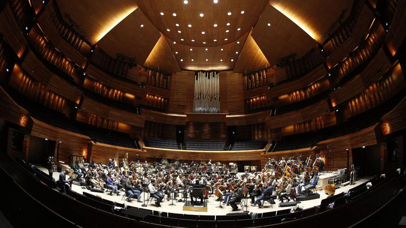 95 musiciens du National et 40 chanteurs du chœur de Radio France participent à l'enregistrement de la musique du film de Luc Besson.