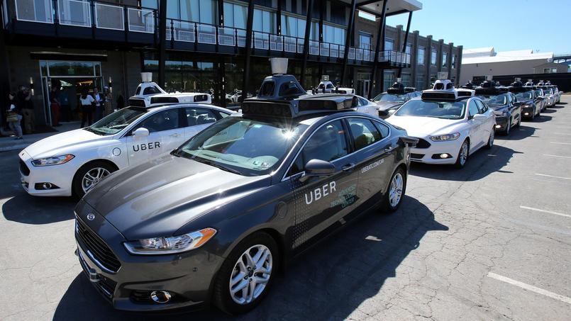 Une flotte de véhicules autonomes Uber, le 13 septembre 2016, à Pittsburgh.