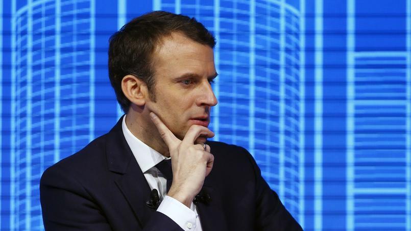 Emmanuel Macron se place dans la continuité de la politique fiscale de François Hollande.