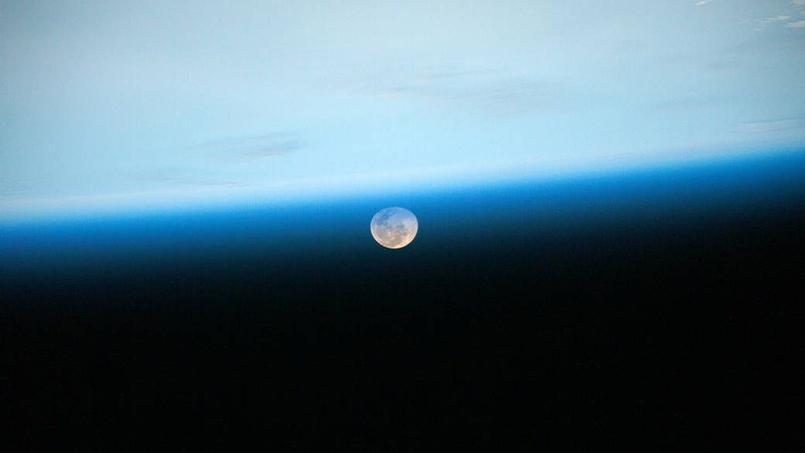 L'astronaute Scott Kelly a pris cette photo de la Lune depuis la station spatiale internationale le 2 juillet 2015- Crédit: Nasa