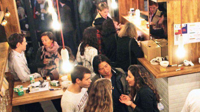 Le Social Bar, pour faire des rencontres (Paris IIe).