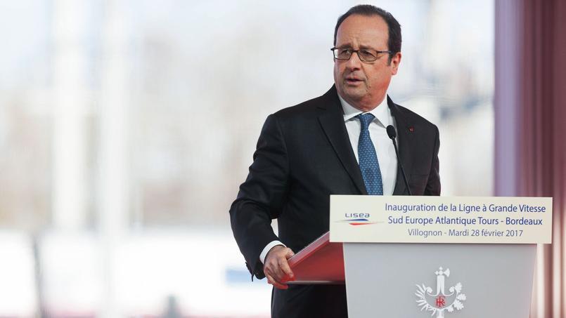 Le président de la République, François Hollande, lors de son discours, ce mardi 28 février, à Villognon, en Charente.