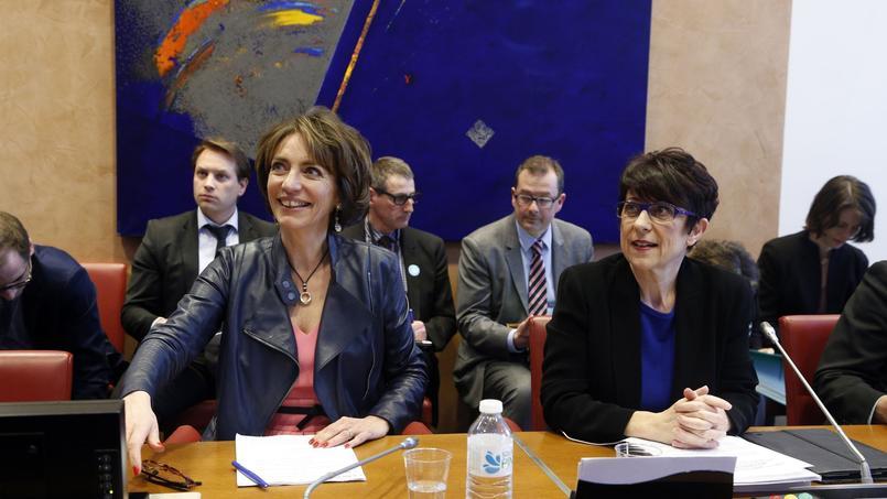 Catherine Lemorton (à droite), présidente PS de la Commission des affaires sociales de l'assemblée nationale, à côté de Marisol Touraine, ministre de la santé depuis 2012.