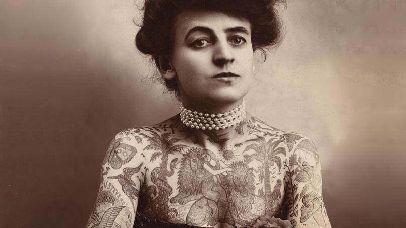 Maud Wagner (1877-1961) une des premières femmes tatoueuses aux États-Unis.
