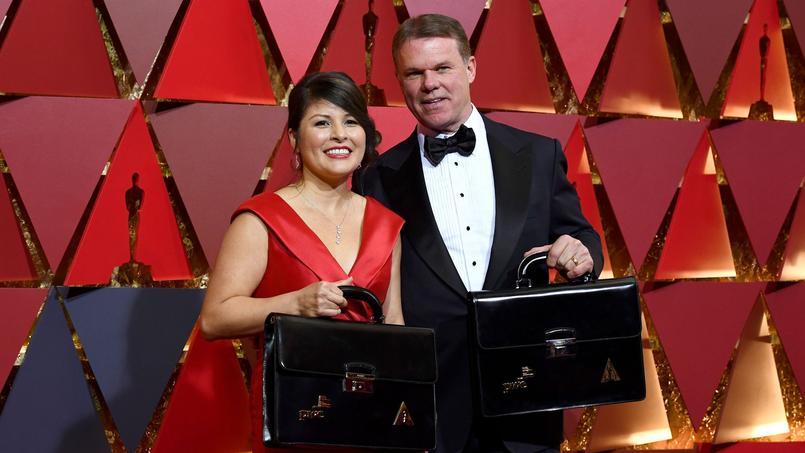 Brian Cullinan et Martha Ruiz, les deux comptables en charge, dimanche, avaient distribué les fameuses enveloppes des lauréats des Oscars ces quatre dernières années.