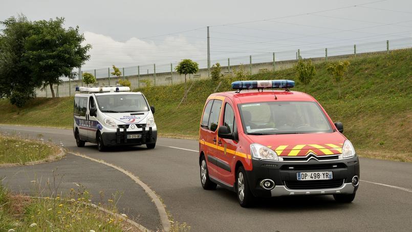 Seine-et-Marne : une voiture explose près d'une école, deux morts