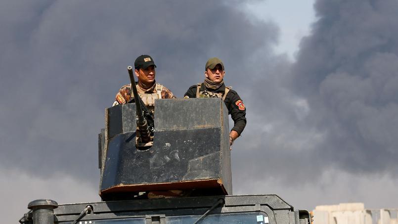 Des bâtiments publics entre les mains de l'armée — Mossoul