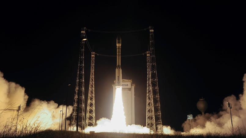 Décollage de la petite fusée européenne Vega depuis le pas de tir de Kourou qui emporte Sentinel 2B.