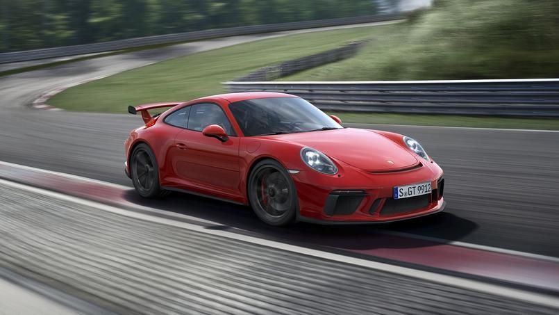 La GT3 s'apparente à une GT3 RS dépourvue de l'impressionnant aileron arrière.