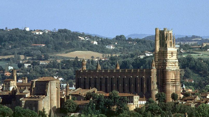 Vue d'Albi et de sa cathédrale Sainte-Cécile, bijou gothique du XVème siècle.