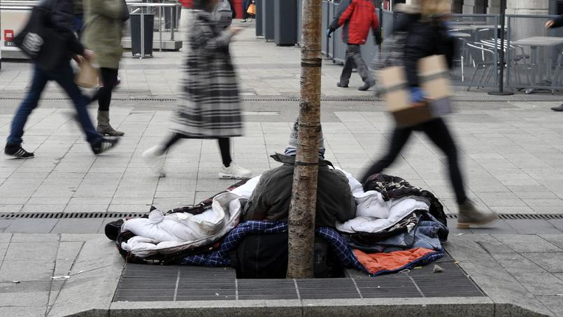 Un sans-abri à Paris, en janvier 2017.