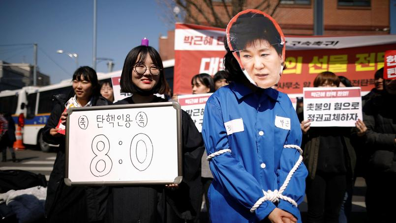 Destituée vendredi, Park Geun-hye quitte le Palais présidentiel — Corée du Sud