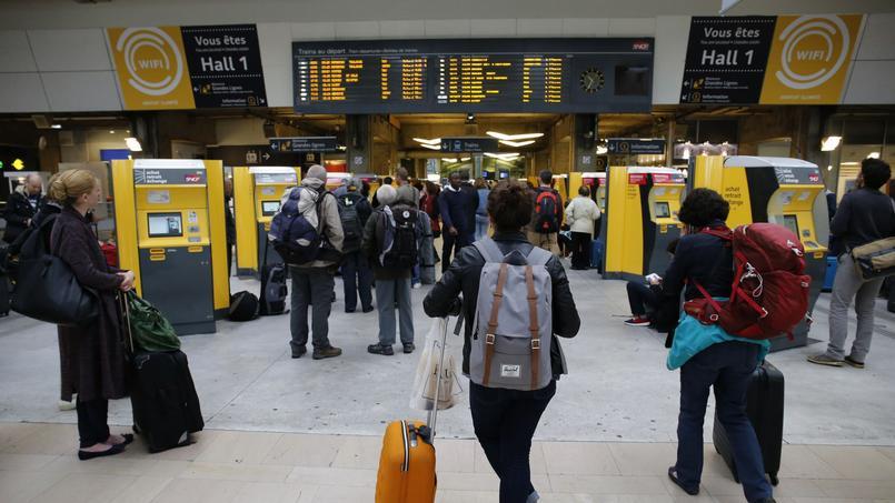Pour attirer une clientèle plus à même de choisir l'avion, la SNCF leur promet plus de services avec wifi à bord, files d'embarquement dédiées, ou encore salons grand voyageur rénovés.