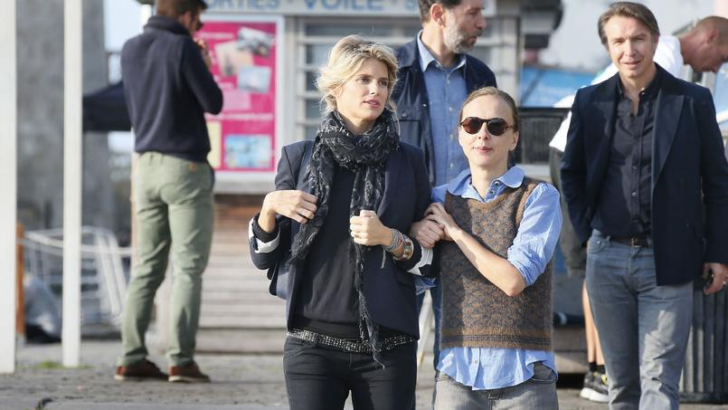 À droite Julie Lopes-Curval future réalisatrice du film sur l'affaire Cahuzac aux côtés d'Alice Taglioni pour «L'Annonce».