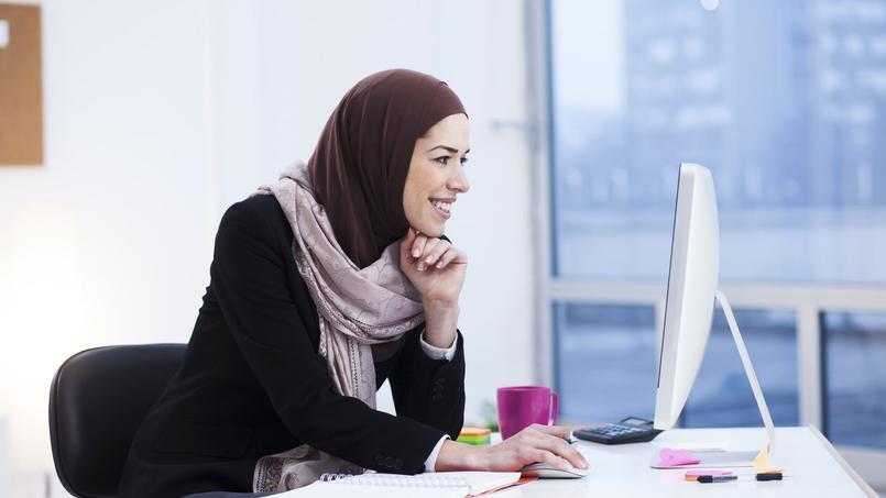 Les salariés qui le souhaitent peuvent porter un signe ostentatoire religieux dans l'entreprise.