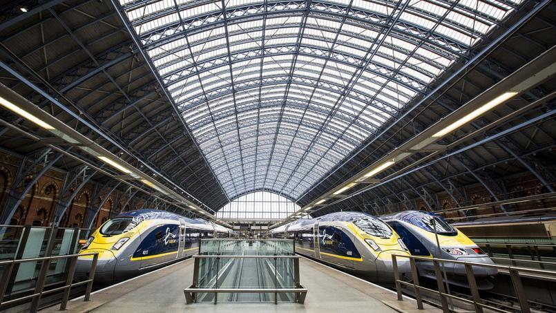 Des eurostars à Londres, dans la gare de Saint Pancrace.