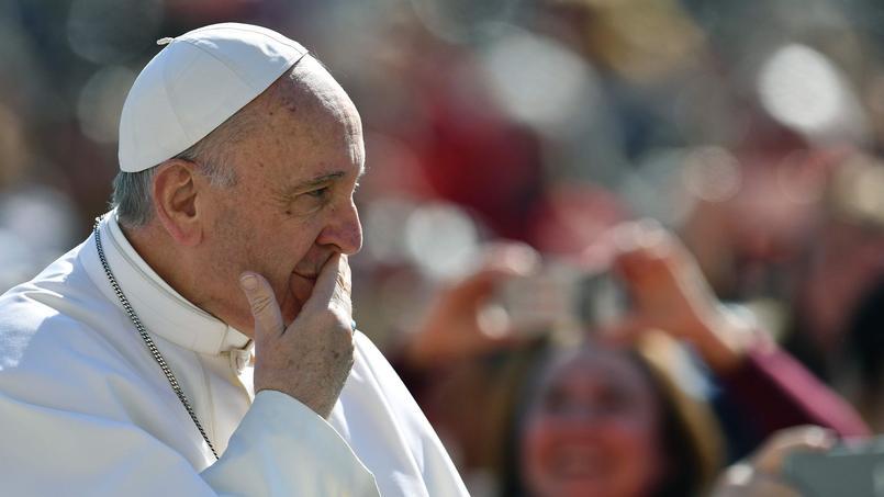 Le pape François lors de l'audience hebdomadaire du 15 mars, place Saint-Pierre.