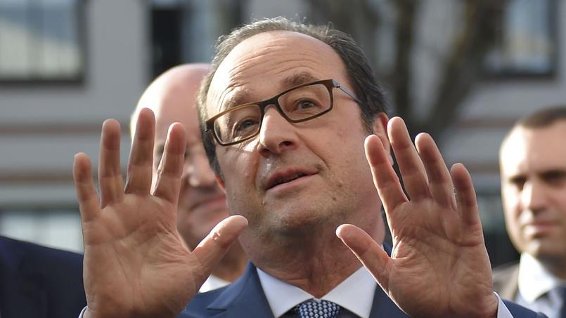 De François Hollande à Marine Le Pen en passant par Manuel Valls, Dominique de Villepin ou encore Vincent Peillon, tout le monde en prend pour son grade.