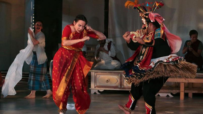 Curieuse décision que celle de l'Académie des Molières de ne pas retenir «Une Chambre en Inde», le dernier spectacle d'Ariane Mnouchkine pour les trophées annuels du Théâtre.