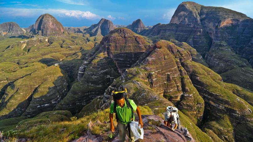 Une expédition dans le massif du Makay offre l'opportunité d'admirer des panoramas aussi rares que somptueux.