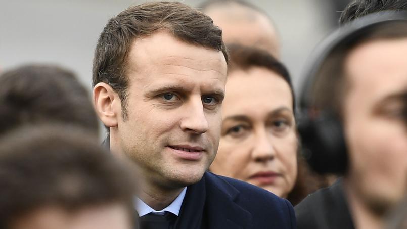 Migrants: Emmanuel Macron sur la même ligne qu'Angela Merkel?