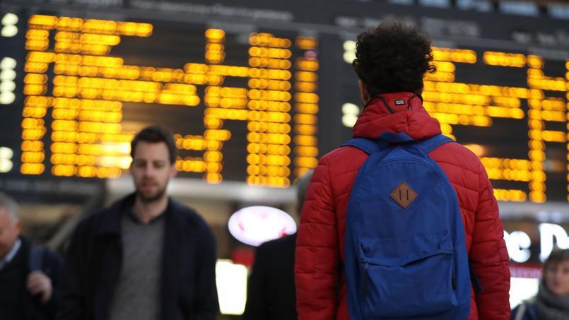 Exprimé en pourcentage, l'indice de ponctualité des trains suburbains franciliens est ainsi évalué à 91,4 contre 99 pour les trains suburbains madrilènes.