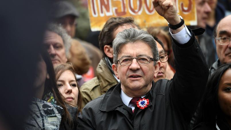 En direct place de la République pour le discours de Jean-Luc Mélenchon
