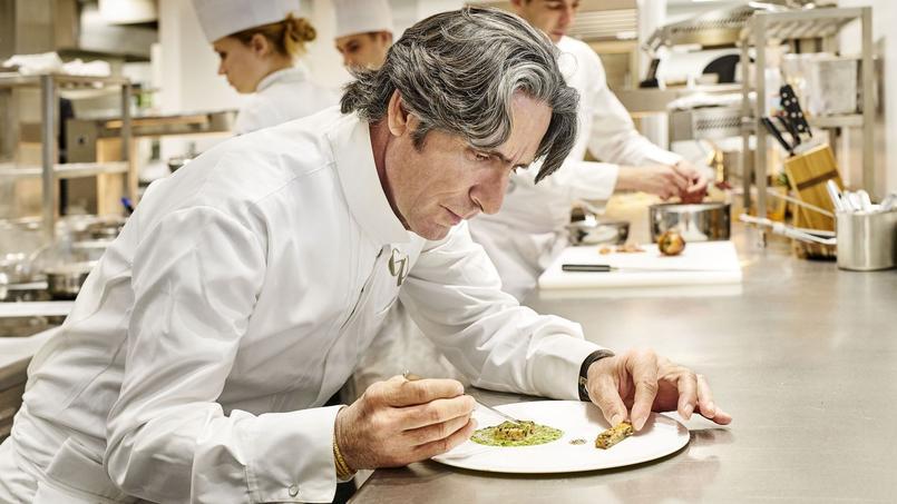 «Il faut trouver sa ligne directrice, que les assiettes soient le plus simples possible, que l'hôte comprenne ce qu'il mange», confie Gérald Passedat.